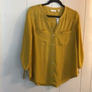 MEW YORK & COMPANY mustard colored blouse size med